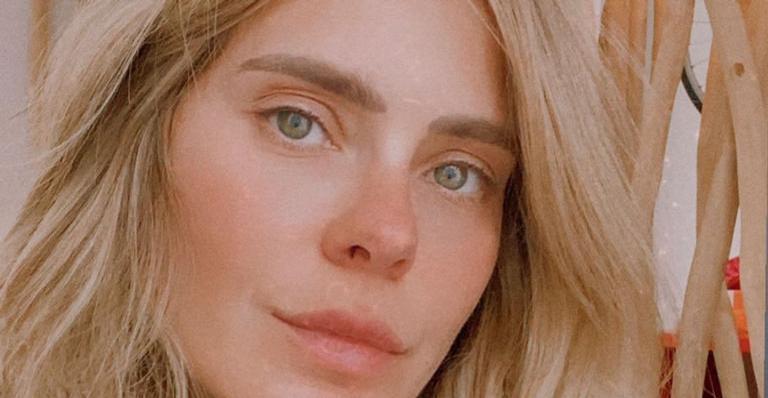 Aos 42 anos, atriz esbanjou beleza nas redes sociais
