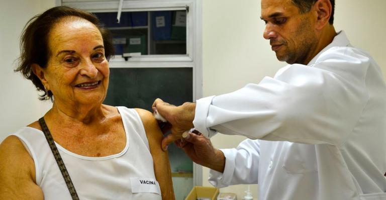Quem tiver restrição de mobilidade será vacinado em casa