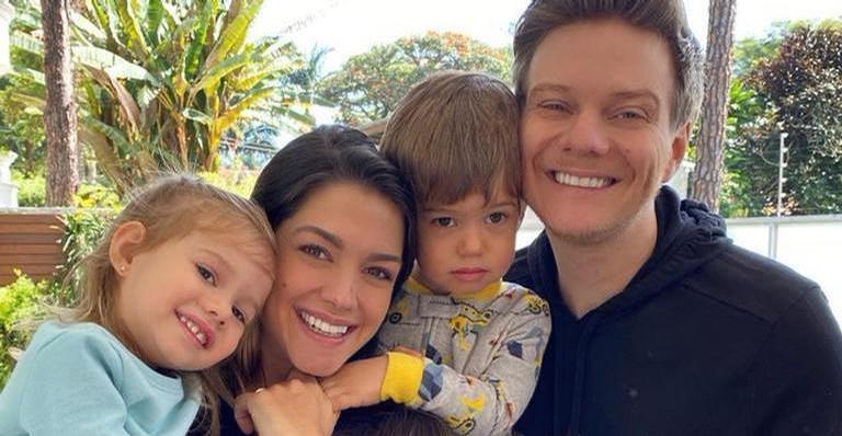 Os seguidores da esposa de Michel Teló pediram, inclusive, para que ela tenha outro bebê: ''Só bota filho lindo no mundo''
