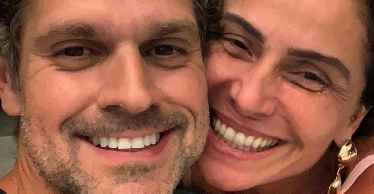 O diretor Leonardo Nogueira publicou um clique raro com a atriz para parabenizá-la pelo aniversário de 45 anos