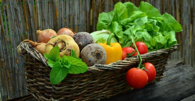 Alimentação é uma grande aliada na hora de melhorar os sintomas
