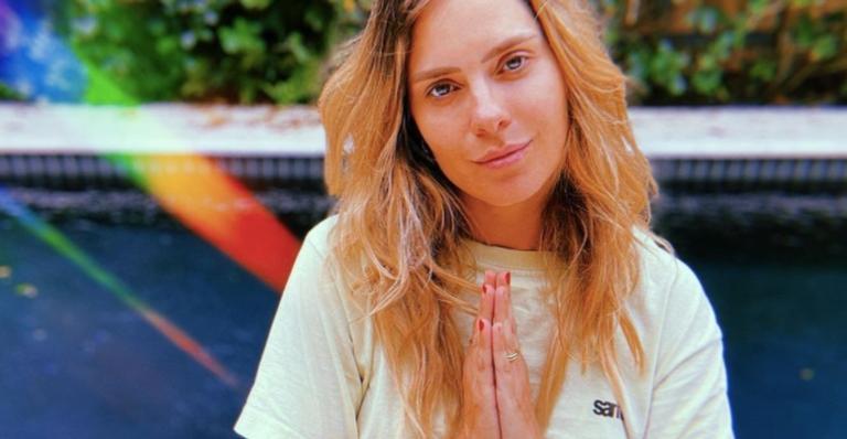 A atriz, que se divide entre Brasil e Estados Unidos desde 2016, fez um desabafo nas redes sociais