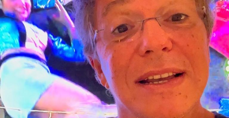 O diretor prometeu aparecer em uma das festas do reality show, mas Tiago Leifert discordou