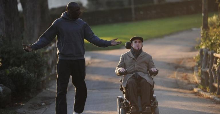Este filme baseado em uma história real narra a relação entre dois homens de realidades distintas