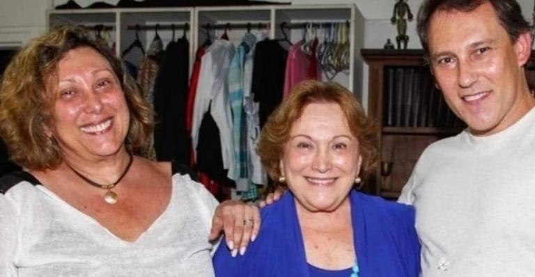 O filho de Nicette Bruno mostrou um clique em família e disse que Bárbara bruno segue melhorando