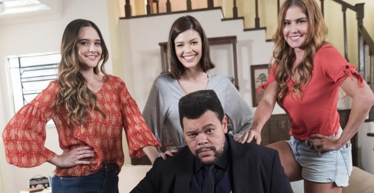 O ator rasgou elogios a Daniel Ortiz, autor da novela, e Grace Gianoukas, sua parceira de cena