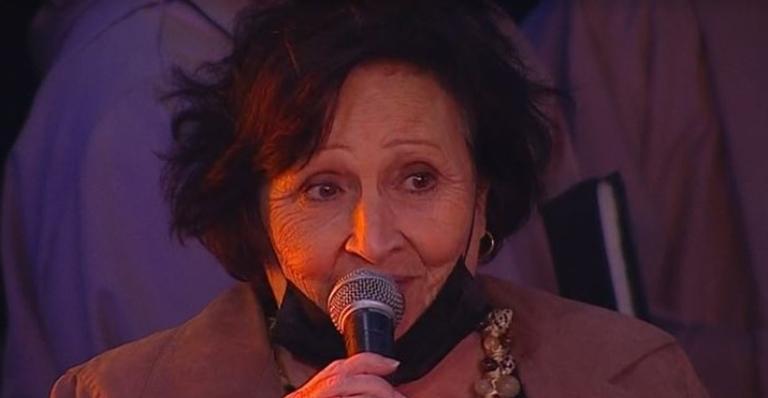 Além de Déa Lúcia, Thales Bretas, marido do ator, também prestou homenagem para ele