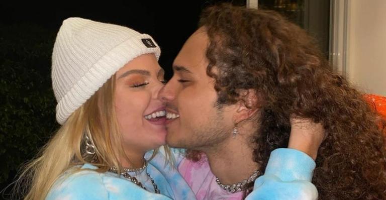 Cantor falou sobre os ataques na web e exaltou Luisa Sonza: ''Amorosa e doce''