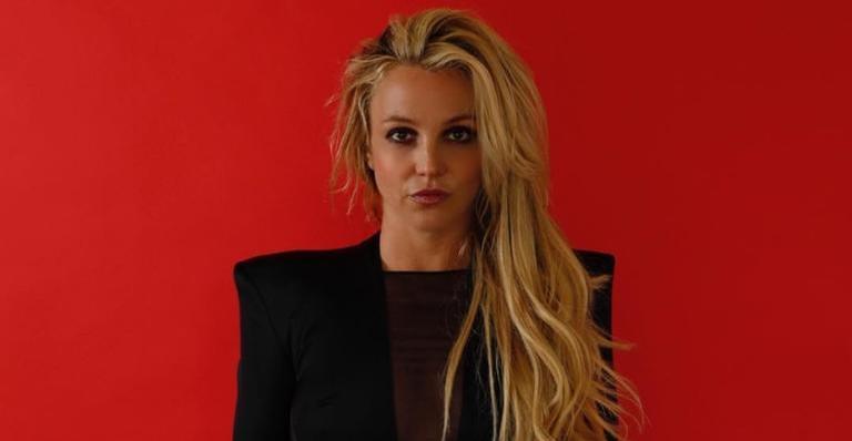 Ex-jurado do 'The X Factor' relembrou o ano em que trabalhou junto da cantora