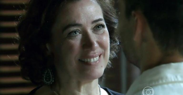 Érika confronta Robertão; Maria Marta tem conversa reveladora com Silviano; Cláudio encontra Enrico em hotel; Cristina briga com Vicente