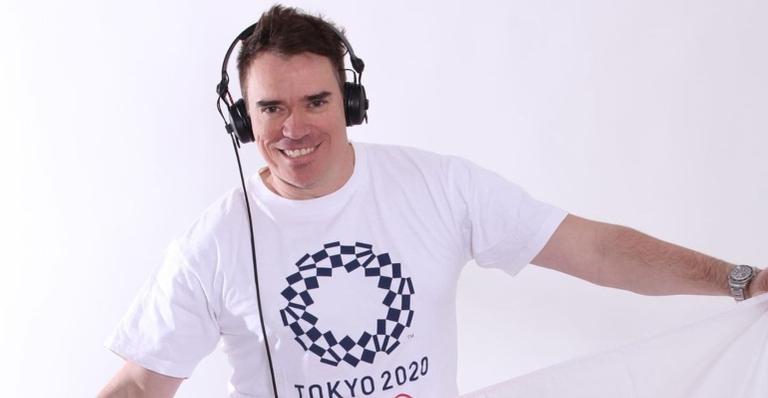 O dj ficou famoso nas redes sociais por trazer clássicos da música brasileira